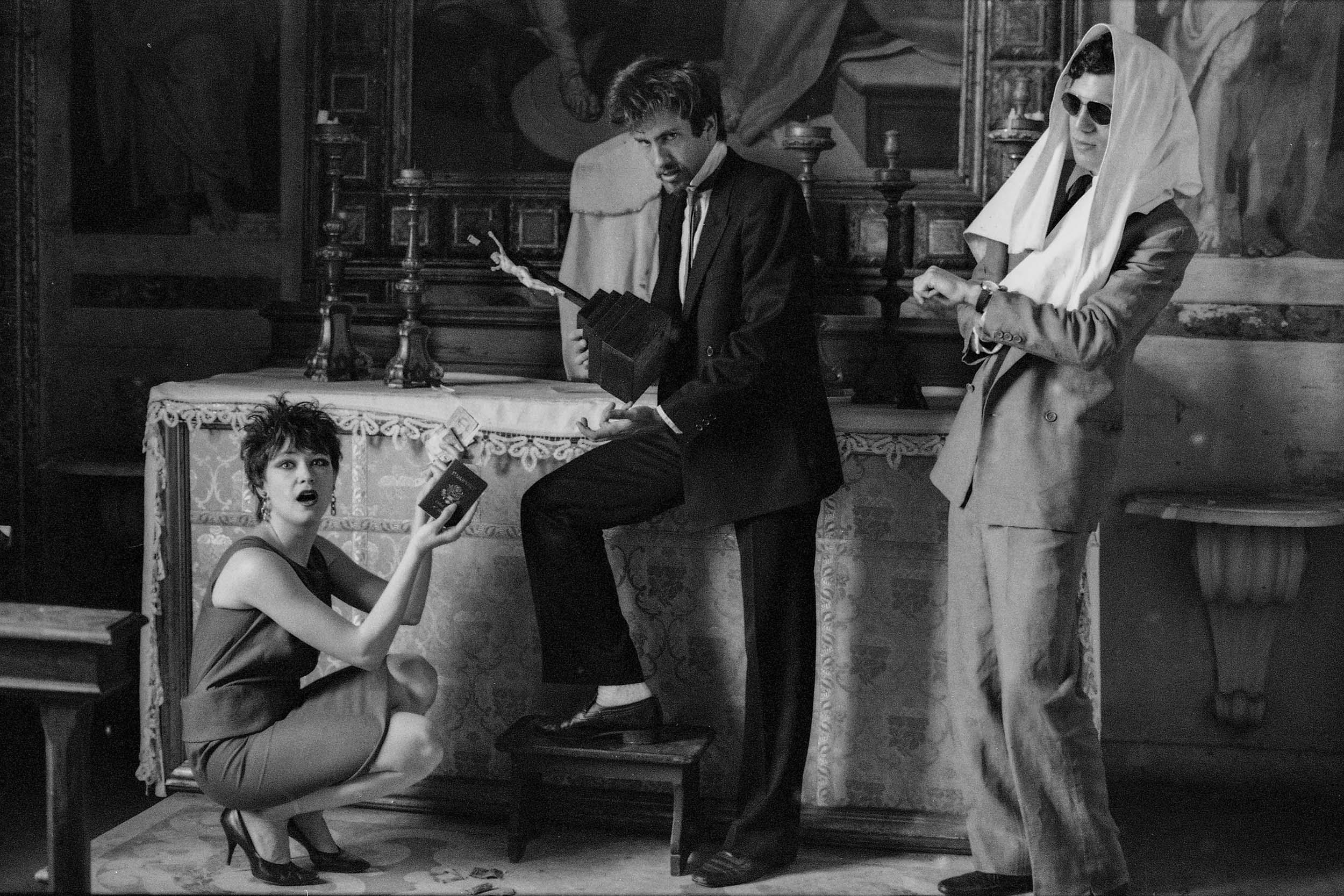 Scatto di Daniela Facchinato con Anne Magnuson, Kenny Scharf e Stanley Strychacki a Villa Guastavillani nel 1980